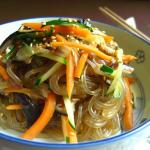 Sweet Potato Noodle with Veggie in Teriyaki Sauce